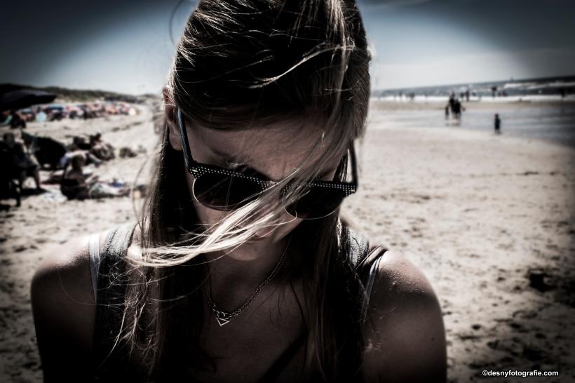 Annick strand, zwart wit
